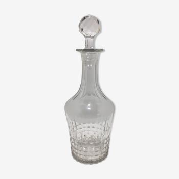 Carafe en verre ciselé