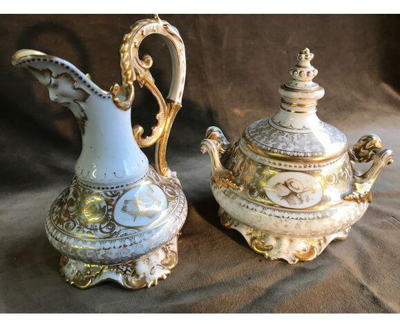 Sucrier et verseuse en porcelaine