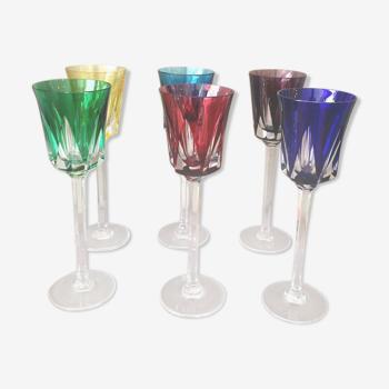 Suite de 6 verres a vin colore de la cristallerie de sevres