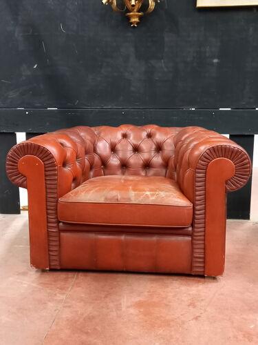 Paire de fauteuils chesterfield