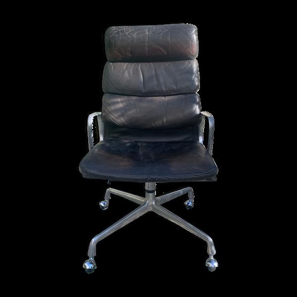 Selency Chaise de bureau Softpad EA216, Charles Eames