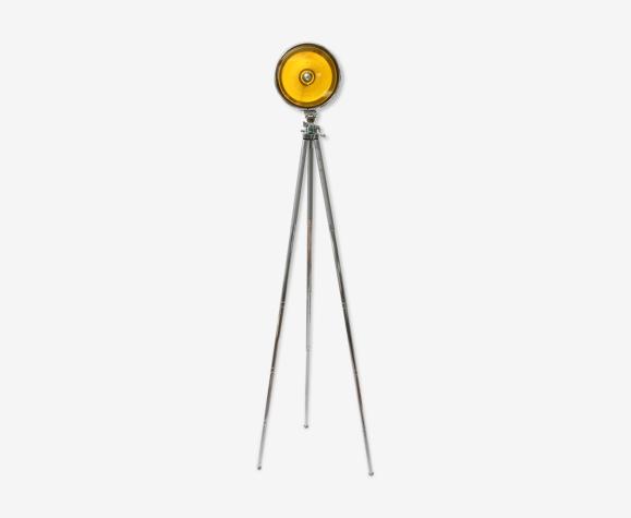 Lampe jaune trépied