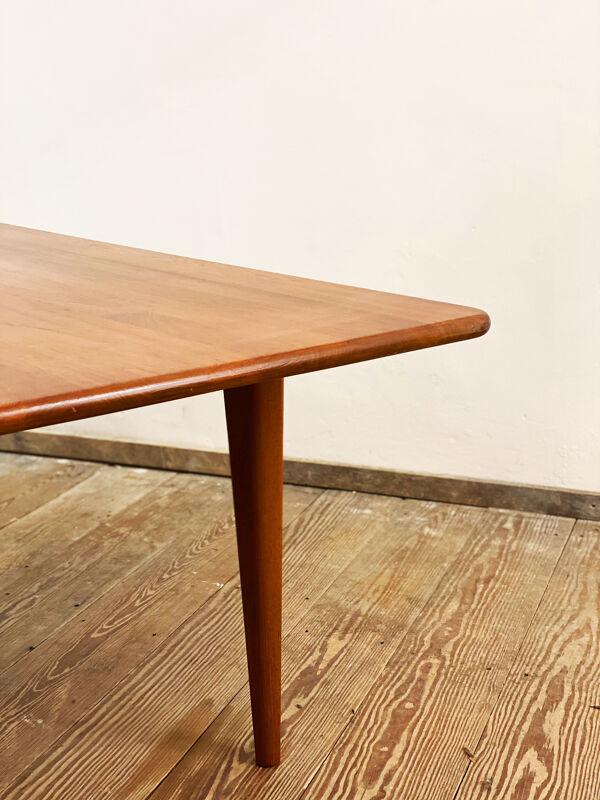 Table basse danoise par Peter Hvidt pour la France et le fils