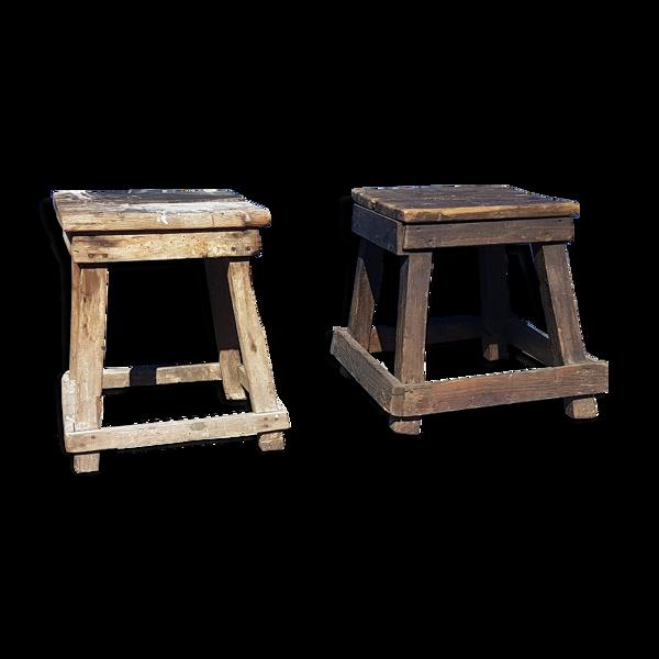 2 tabourrets en bois