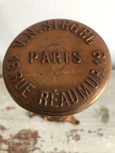 Présentoir porte chapeau télescopique signé V.N Siegel Paris
