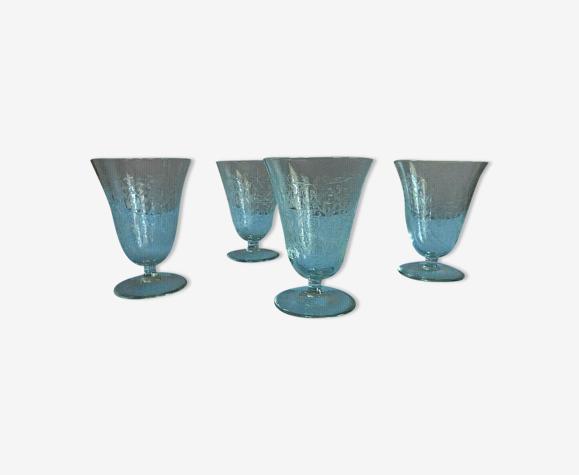 Lot de 4 verres ciselés forme évasée motifs feuilles