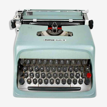 Machine à écrire olivetti studio 44 dans son étui