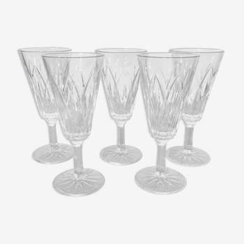 Champagne flutes in chise glass