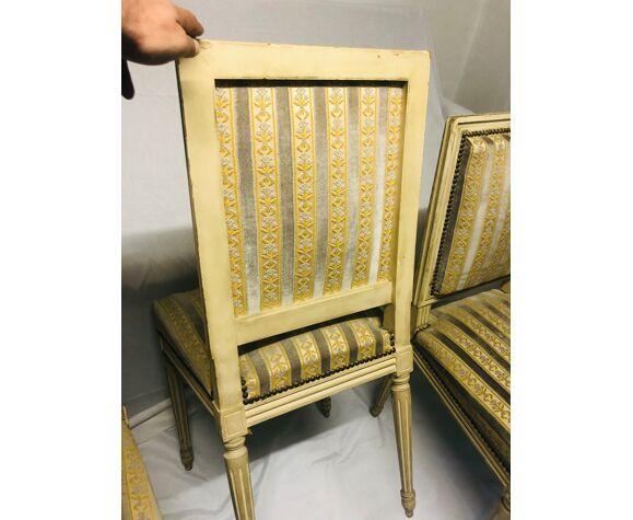 Suite de 4 chaises style Louis XVI