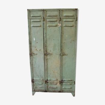 Armoire métallique  3 portes casiers