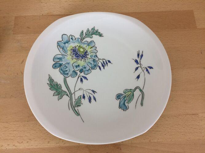 Suite de 6 assiettes Themis par L. Bernardaud à Limoges, fleurs