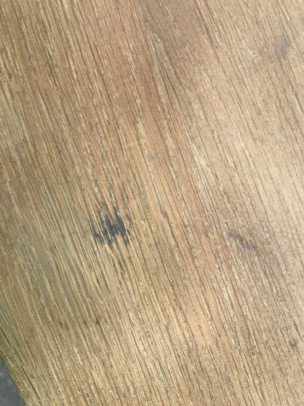 Table de drapier en chêne à entrecroise aéro gommée