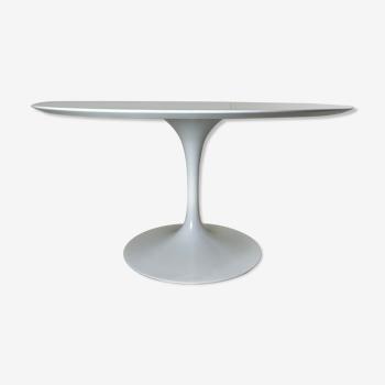 Table Saarinen pour Knoll International années 1960