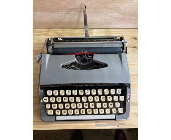 Machine à écrire portative Brother