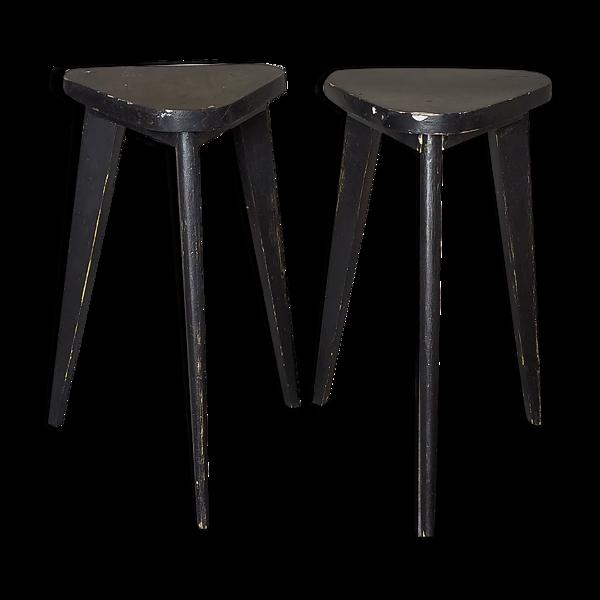 Paire de sellettes tripodes anciennes patine noire