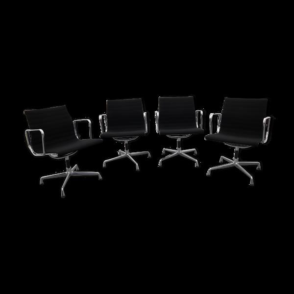 Selency Lot de 4 fauteuils EA 108 par Eames Charles et Ray pour Vitra, années 2000