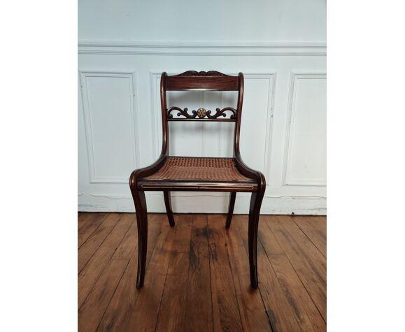 Chaise en bois cannée