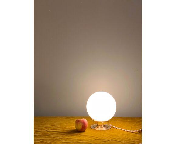 Lampe a poser opaline ancienne