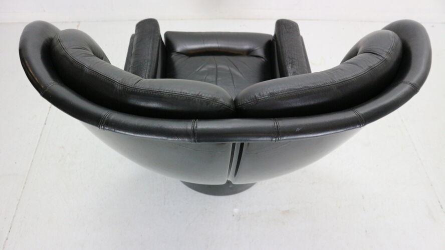 Fauteuil en cuir noir «Elda» de Joe Colombo  pour Comfort, Italie, années 1960