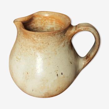 Pitcher Vintage sandstone handle beak pourer