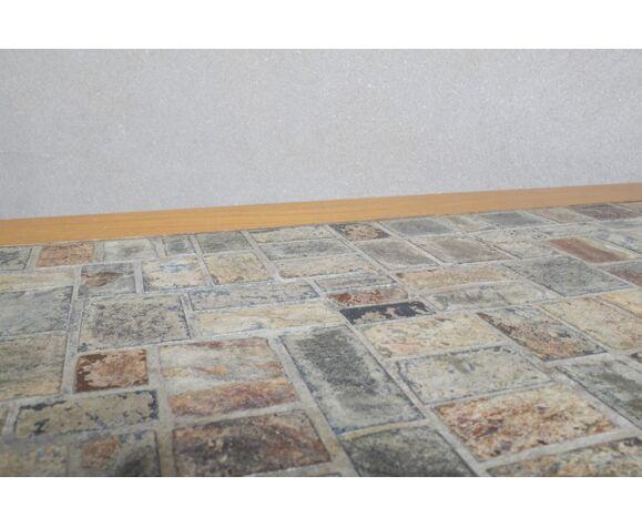 Table basse en orme massif plateau pierre