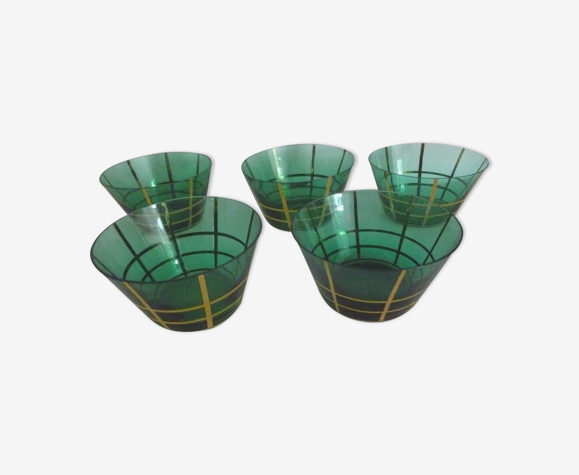 5 glass cups, year. 50