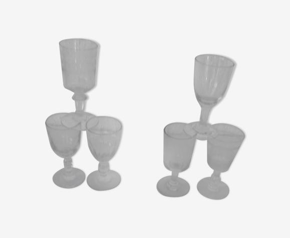 Set de 6 verres anciens dont 2 gravés formes diverses pr