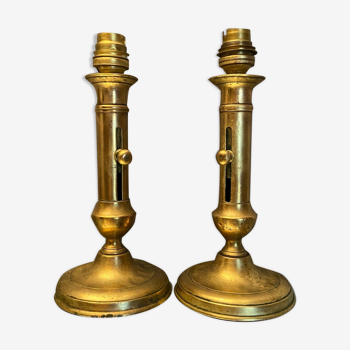 Paire de bougeoirs à poussoir en laiton XIXème Napoléon III montés en lampe