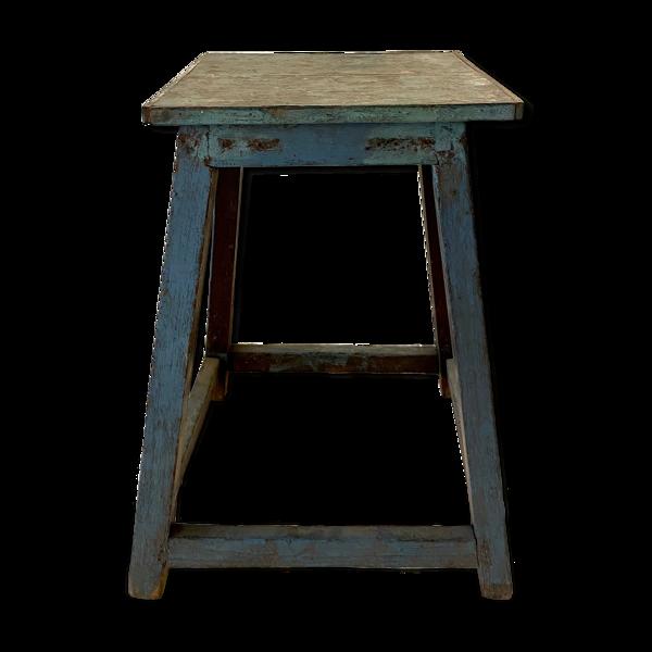 Tabouret d usine en bois laqué bleu