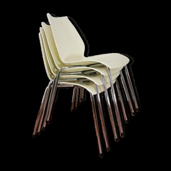 Selency Lot de 4 chaises ivoire Maui par Vico Magistretti pour Kartell