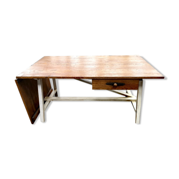 Table pliante artisanale