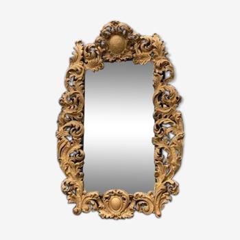 Cadre en bois sculpté et doré début XVIIIème siècle sur un miroir vers 1900 92x137cm