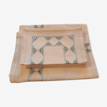 Nappe et serviettes brodés en lin