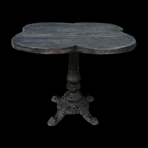 Table de bistrot, pietement épais