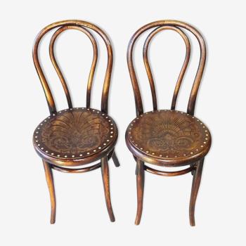 2 chaises bistrot bois cloutées thonet 1910