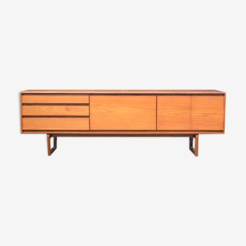 Enfilade minimaliste par White & Newton * 217 cm