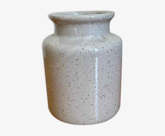Enamelled sandstone pot
