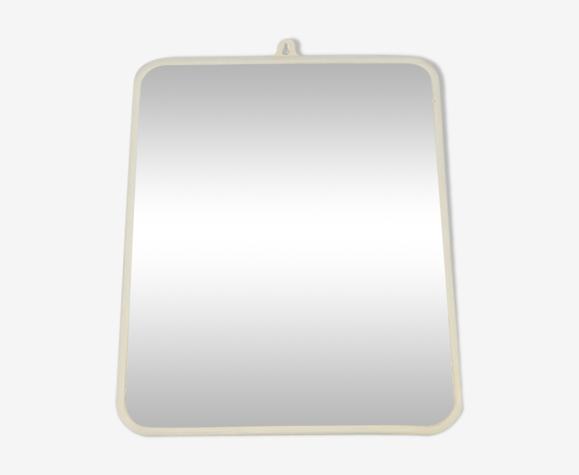 Miroir vintage rectangulaire et bords arrondis 29.5 x 23.5 cm
