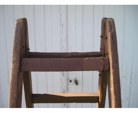 Echelle de peintre ancienne en bois à 2 pans