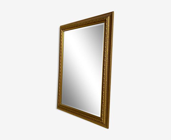 Miroir biseauté avec cadre doré du 20ème siècle - 105x74cm