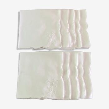 Lot de 10 serviettes de table blanches unies