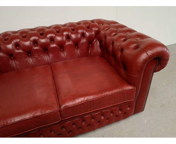 Canapé Chesterfield cuir rouge deux places