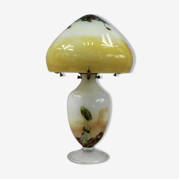 Lampe champignon Verrerie d'Art en pâte de verre et laiton, abat-jour et pied lumineux. Bon état.