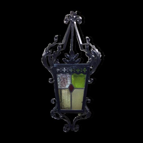 Lanterne en fer forgé et vitraux