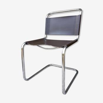 Chaise B33 de Marcel Breuer
