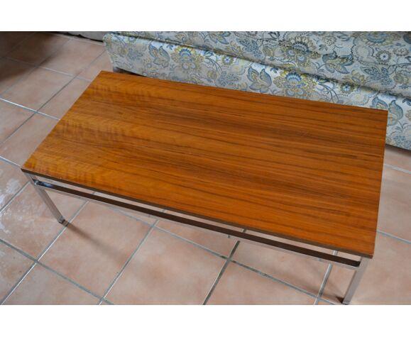 Table basse design métal chromé et teck années 70