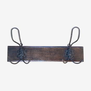 Coat rack mascarons two hooks