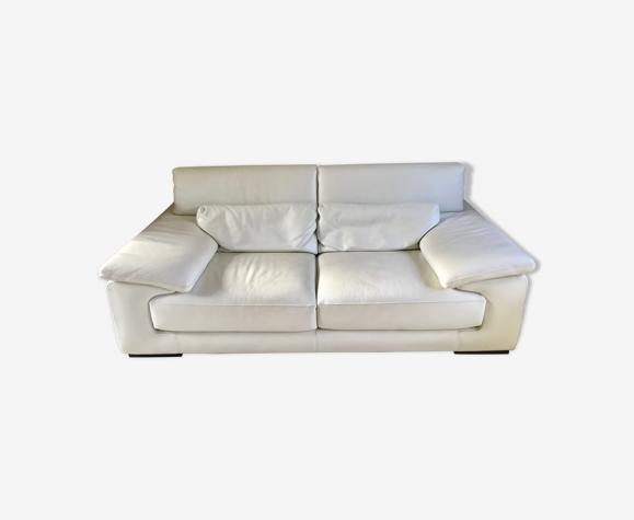 Canapé trois places en cuir blanc