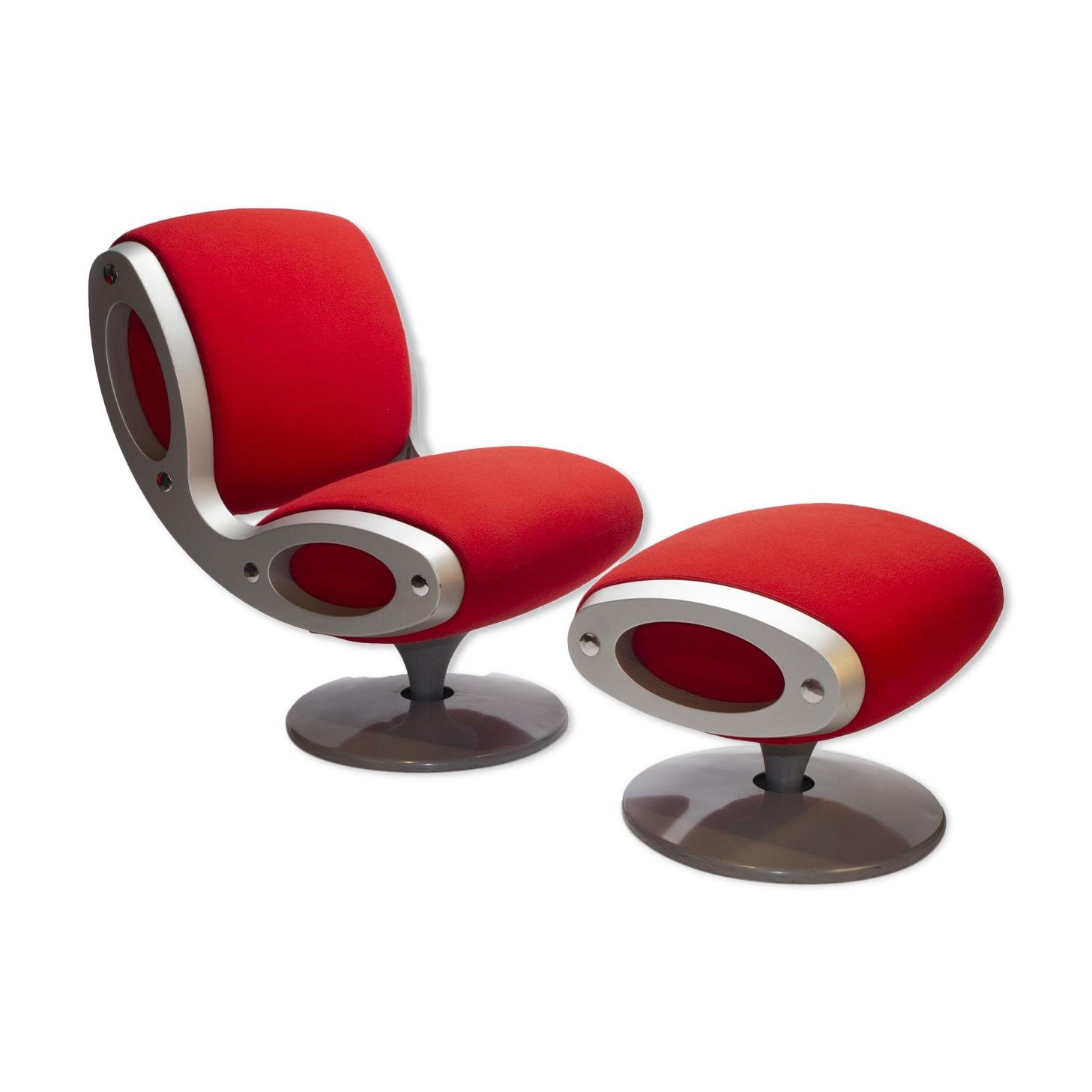 Red Gluon chair & stool par Marc Newson pour Moroso Italie