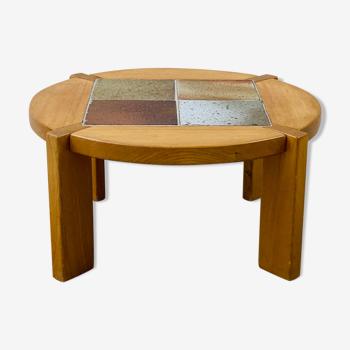 Table basse en orme et carreaux de céramique